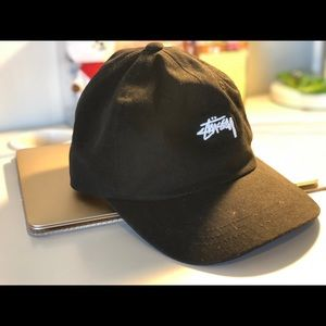 Stussy logo baseball hat black